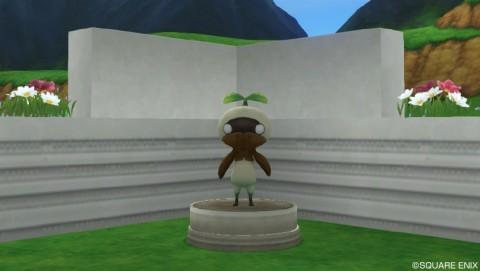 マンドラゴラの像・庭